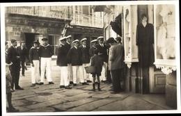 Photo Cp Santiago De Compostela Galicien Spanien, Deutsche Marineoffiziere Bei Einkauf - Spanje