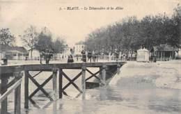BLAYE - Le Débarcadère Et Les Allées - Blaye