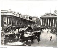 Photo Londres (Angleterre) - Début De Siècle - A Gauche La Banque D 'Angleterre, Au Centre La Bourse. - Photos