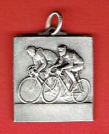 MEDAILLE CYCLISME CYCLE CHALLENGE C.O.B. CLUB OMNISPORTS DE BOLBEC SEINE MARITIME ? - Ciclismo