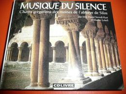 CD N°2680 - MUSIQUE DU SILENCE - CHANTS GREGORIENS DES MOINES DE L' ABBAYE DE SILOS - COMPILATION 19 TITRES + GROS BOOK - Chants Gospels Et Religieux
