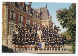 CPm 51 : TOURS Sur MARNE   Château Et Les Mascottes  A   VOIR  !!!! - France