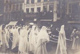 OISE BEAUVAIS LA DAME DE SAINTE ANGADREME FETE DE 1896 - Places