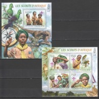 TG832 2012 TOGO TOGOLAISE ORGANIZATIONS SCOUTING BIRDS MINERALS DINOSAURS 1KB+1BL MNH - Altri