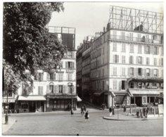 Paris (75) - Place Pigalle Et Bouche De Métro - Période Occupation Guerre 39-45 (panneau Allemand) - Photos