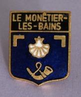 Pin's Ville LE MONÊTIER-LES-BAINS PACA Hautes Alpes Occitanie Coquille Saint Jacques Trompe Huchet EGF - Cities
