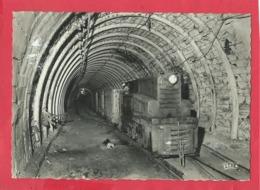 CPSM Grand Format -  7 - La Mine En Activité - Grand Roulage -Locomotive Diesel Attelée à Une Rame De Berlines De 3000 L - Bergbau