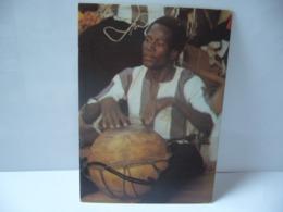 AFRIQUE SOUVENIR DU BURKINA LE BENDRE OU LE MYSTIQUE TAM TAM PARLEUR DU MOGHO CPM COULEUR - Burkina Faso