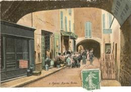83 - HYERES -  La Rue Des Porches  59 - Hyeres