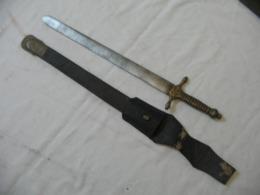 Rare Ancien Galive Savoie Avec Fourreau XIX, Old Sword - Knives/Swords
