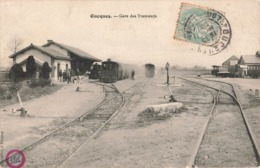 41 Oucques La Gare Des Tramways Tram Tramway Cpa Carte Animée Chemin De Fer Train - Other Municipalities