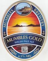 MUMBLES BREWERY (SWANSEA, WALES) - MUMBLES GOLD WELSH PALE ALE - PUMP CLIP FRONT - Letreros