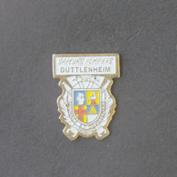1 Pin's Sapeurs Pompiers De DUTTLENHEIM (BAS RHIN - 67) - Bomberos