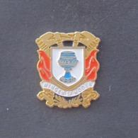 1 Pin's Sapeurs Pompiers De WINGEN SUR MODER (BAS RHIN - 67) - Bomberos