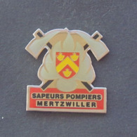 1 Pin's Sapeurs Pompiers De MERTZWILLER (BAS RHIN - 67) - Bomberos