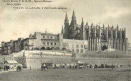 PALMA DE MALLORCA VISTA  DE LA CATEDRAL Y CAPITANA GENERAL  Attelages  RV - Palma De Mallorca