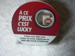 Beau PRESENTOIR COLLECTOR - Cigarettes LUCKY STRIKE - VINTAGE - à Piles - Déco - Commerce - Loft - Etc - Objets Publicitaires