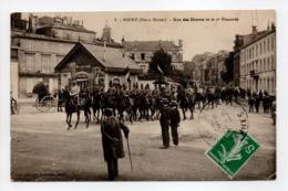 - CPA NIORT (79) - Rue Des Douves Et Le 7e Hussards 1912 (belle Animation) - Edition Alix N° 8 - - Niort
