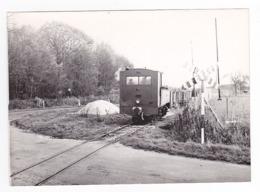 77 PHOTO Originale Train Wagon Betteraves Locomotive Vapeur N°3714 Des CFD à Un Passage à Niveau PN Vers Nangis VOIR DOS - Trenes