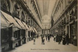 Bruxelles // Interieur Des Galerie St. Hubert (animee) 1924 - Monumenten, Gebouwen