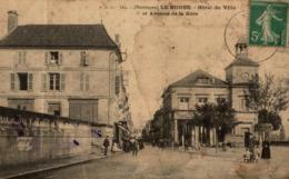 LE BUGUE HOTEL DE VILLE ET AVENUE DE LA GARE - France