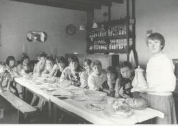 10x15   Meslan    Le Gouter Des  Enfants   CHEZ MICHELINE     Aventure Carto - Autres Communes