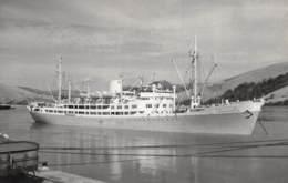 """Le """"Charlesville"""" Au Port De Matadi - Passagiersschepen"""