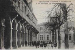 MACON  :Pensionnat  Externat  Du Sacré Coeur - Elèves Dans La Cour- 15 Rue  RAMBUTEAU - Macon
