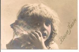L100d147 - Bonne Année - Enfant écoutant La Mer Dans Un Coquillage - N°3114/3 - New Year