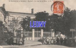 CPA D' AYTRE   (17) - Un COIN De La PLACE     N° 13  L.C. - 1911 P- BELLE ANIMATION - Autres Communes