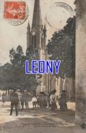 CPA  De SAINT GENIS   (17) - La PLACE De L' EGLISE - SORTIE De La MESSE - ANIMATIONS 1915 - France