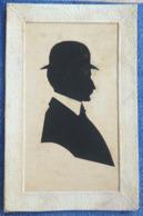 LITHO  Illustrateur Decoupis PORTRAIT Silhouette OMBRE Profil Homme Chapeau Melon Precurseur  Voyage1902 - Silhouettes