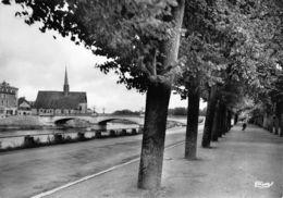 Sens (89) - Bords De L'Yonne Et L'Eglise St Maurice - Sens