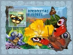 Mozambique 2007 MNH - Butterflies, Flowers. Sc 1794, YT 155, Mi 2935/BL214 - Mozambique