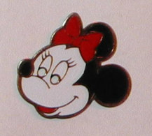 Pin's MINNIE R, TETE DE MINNIE - Disney
