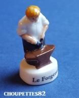 Fèves Fève Thibault Bergeron 2009 Les Vieux Métiers Le Forgeron*640* - Characters