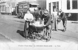 Frontière Franco-Belge - La DOuane Française - La Visite (top Animation, Voiture Enfant, Attelage Déménagements Dumez) - Customs