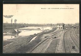 CPA Avranches, Manche, La Passerelle Du Bateau - Avranches