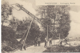 Ouvriers Portugais  Au Travail  à Pontgivard   (France  Dans Le Departement De La Marne) - Autres