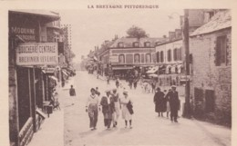 Val-Andre France, Rue De Dahouel And La Place Centrale Town Square C1930s Vintage Postcard - Pléneuf-Val-André