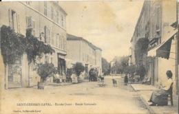 St Saint-Germain-Laval (Loire) - Entrée Ouest, Route Nationale, Animation Devant Le Café - Edition Chartre - Saint Germain Laval