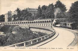 COTES D'ARMOR  22  SAINT BRIEUC - LES NOUVEAUX BOULEVARDS ET LE PALAIS DE JUSTICE - CACHET TRAIN SANITAIRE -GUERRE 14 18 - Saint-Brieuc