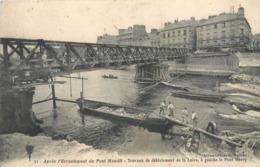 CPA 44 Loire Atlantique Inférieure Nantes Ecroulement Pont Maudit Travaux De Déblaiement De La Loire à Gauche Pont Henry - Nantes