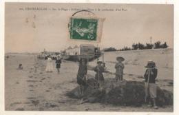 Chatelaillon Sur  La Plage Enfants Travaillant à La Confection D Un Fort - Châtelaillon-Plage