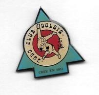 Pin's  Ville, Sport  JUDO, DOJO  CLUB  DOLOIS  Créé  En  1951  à  DOLE   ( 39 ) - Judo