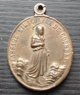 Médaille Ancienne Passage Miraculeux Du Courbet - Religion &  Esoterik