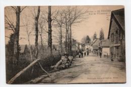 - CPA VIGEOIS (19) - Rue De Villeneuve 1910 (avec Personnages) - Photo Bessot Et Guionie N° 12 - - France