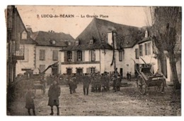 LUCQ DE BEARN LA GRANDE PLACE TRES ANIMEE - Frankrijk