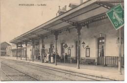 25 PONTARLIER  La Gare , Le Buffet - Pontarlier