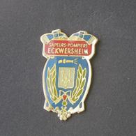 1 Pin's Sapeurs Pompiers De ECKWERSHEIM (BAS RHIN - 67) - Bomberos